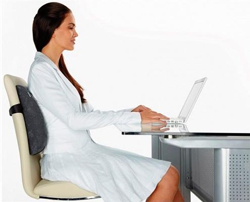 Модель на спинку стула
