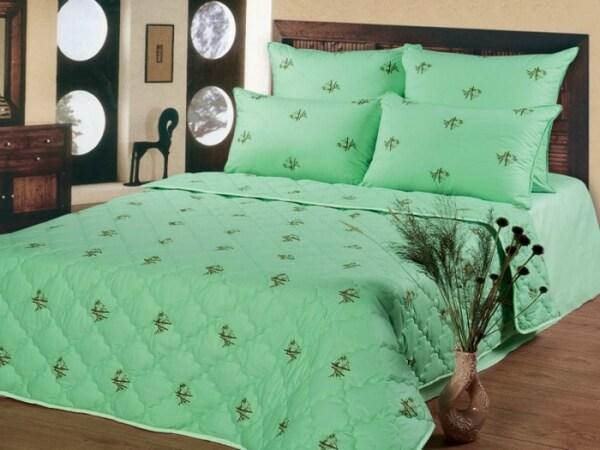 Двухспальное одеяло из бамбука