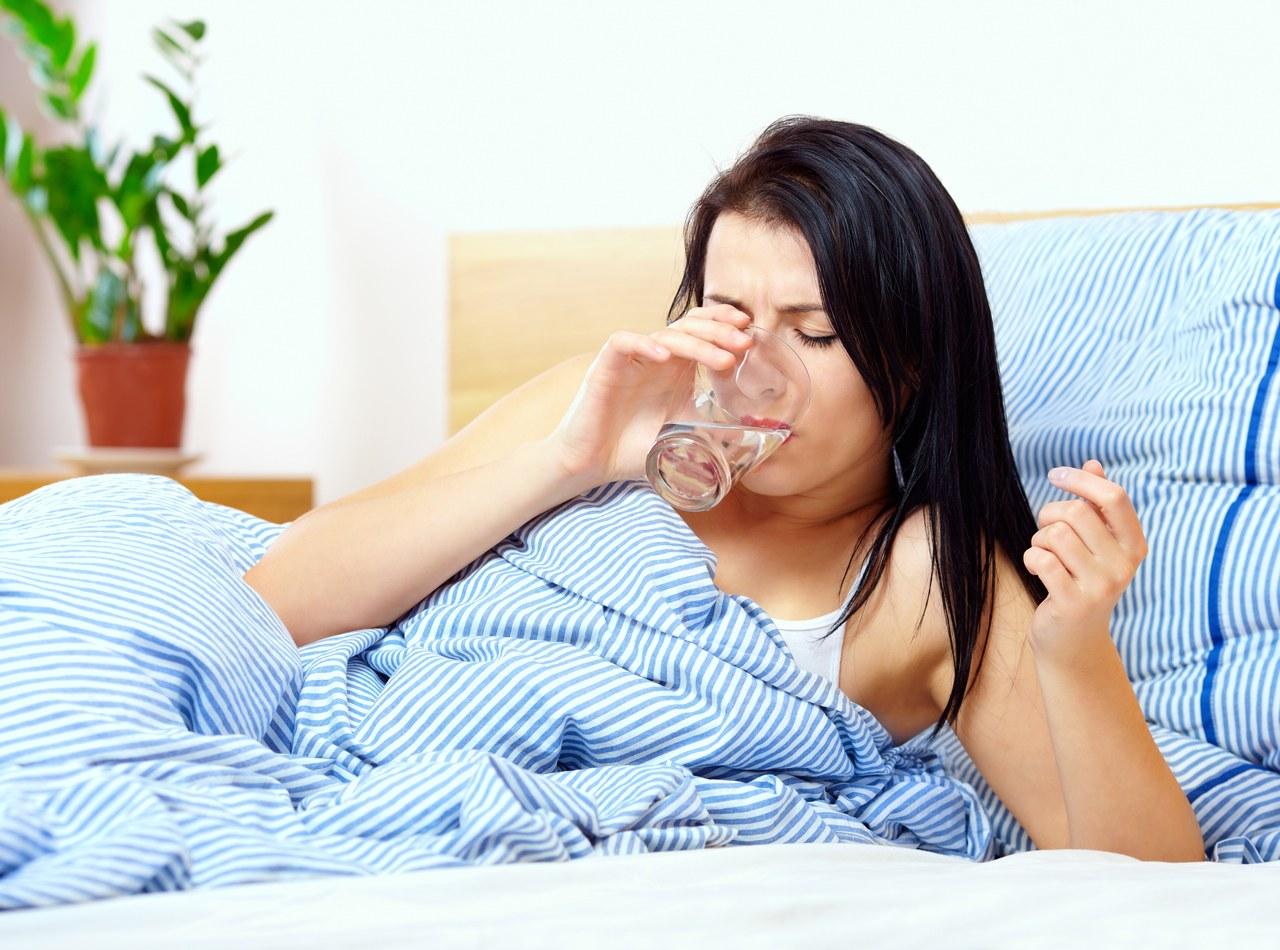 Сухость во рту ночью во время сна, причины и устранение