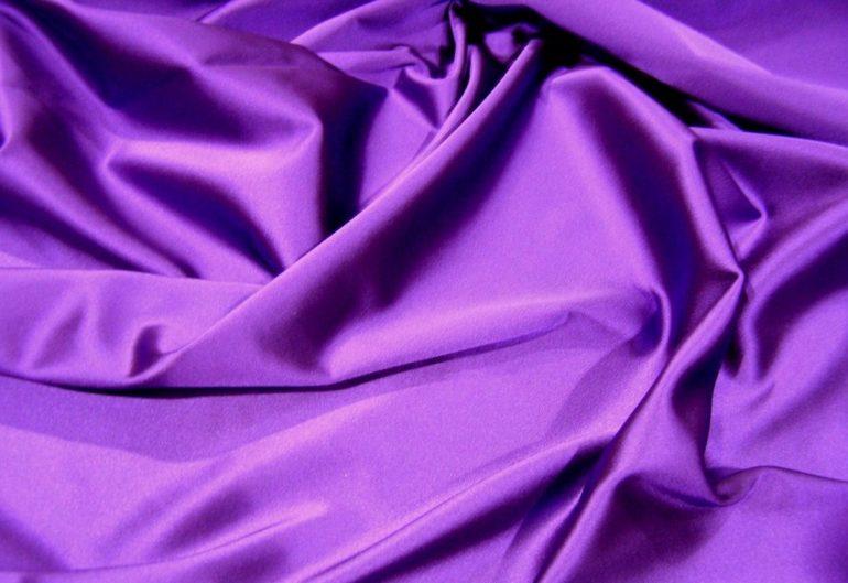 фиолетовый атлас