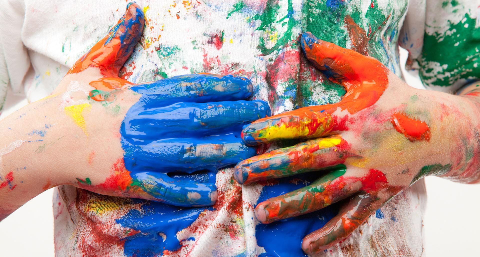 Чем отстирать пятна краски на одежде