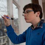 Признаки аутизма у подростков