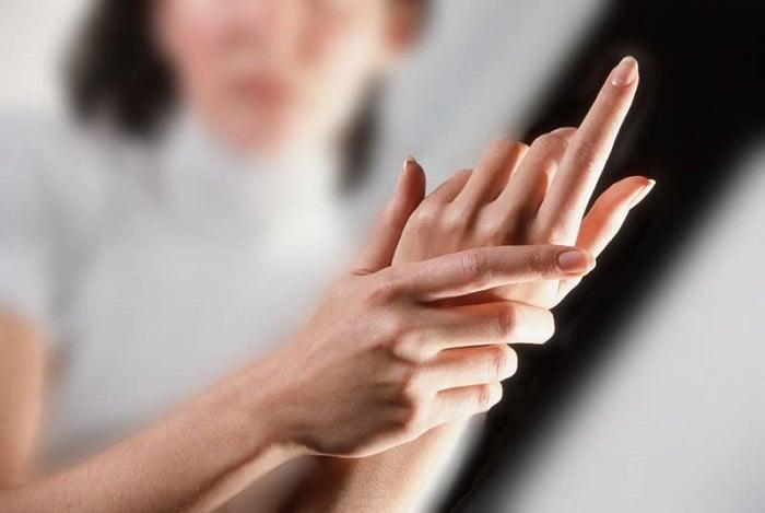 как избавиться от онемения рук после сна