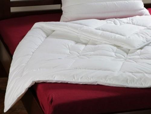 Какое одеяло выбрать на зиму и на лето