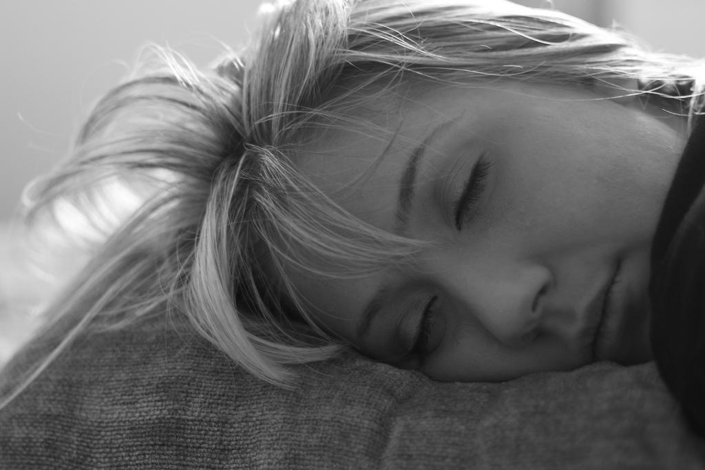 В какую сторону спать головой с точки зрения традиционных представлений и науки