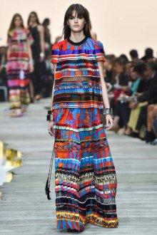 Длинное красивое платье в этническом стиле