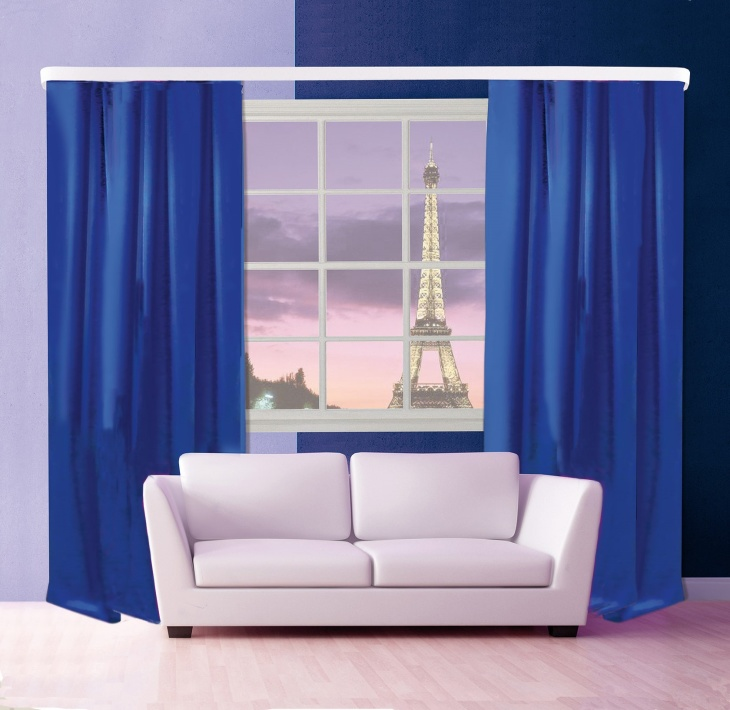 Синие шторы в гостинной