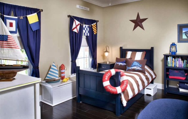 Фото: шторы в интерьере детской комнаты морского стиля