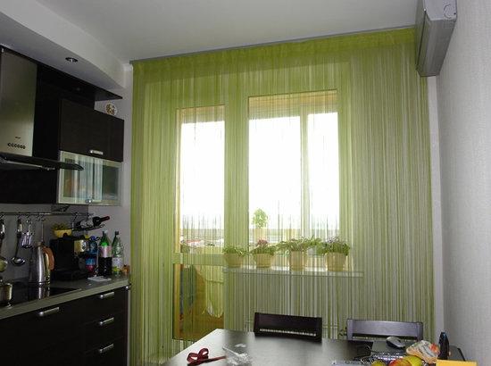 Кисея (нитяная штора) на кухне
