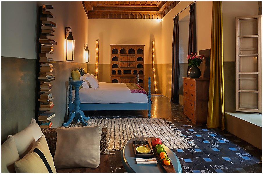 В интерьере спальни в восточном стиле царит поистине сказочная атмосфера