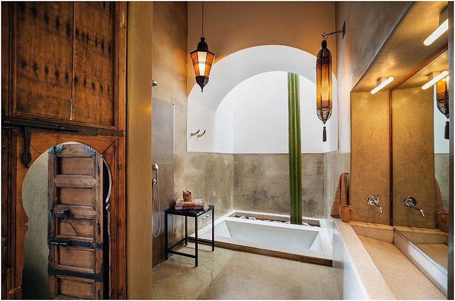 Аутентичный интерьер ванной в восточном стиле