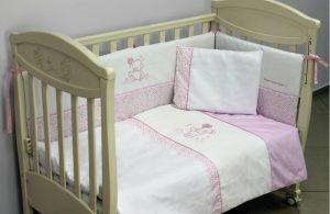 Для чего нужна защита на детскую кроватку?
