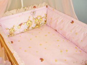 Какие бывают защиты для детской кроватки?