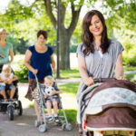 Как и зачем знакомиться с мамочками на детской площадке?