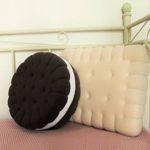 Две подушки в виде печенья