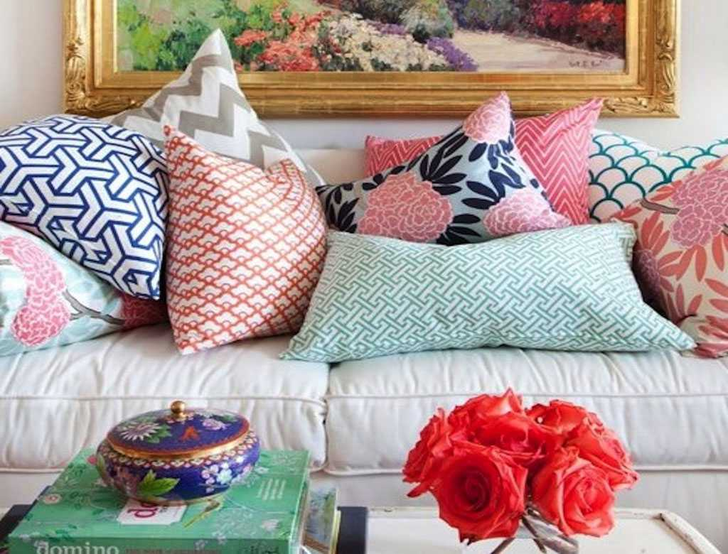 Декоративные подушки в дизайне интерьера