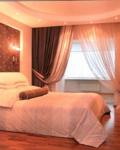 спальня, соединенная с балконом
