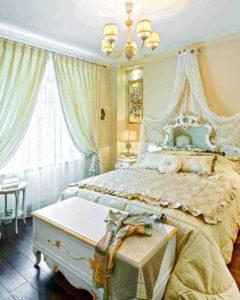 винтажная кованная мебель цвета слоновой кости