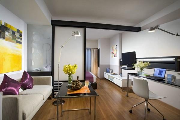 Мобильная перегородка в квартире фото