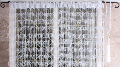 нитяные шторы на штанге карниза