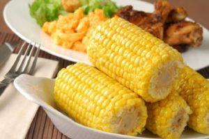 К какому семейству и виду относится кукуруза: овощ, фрукт или злак