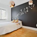 Черно-белая сканди спальня