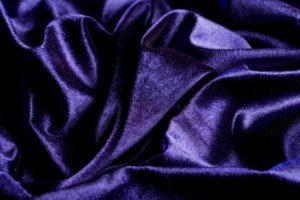 Фиолетовый бархатный велюр