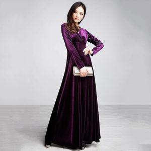 светло-фиолетовое платье из бархата