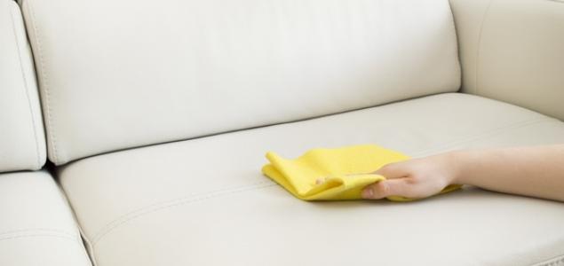 специальные средства для чистки мебели