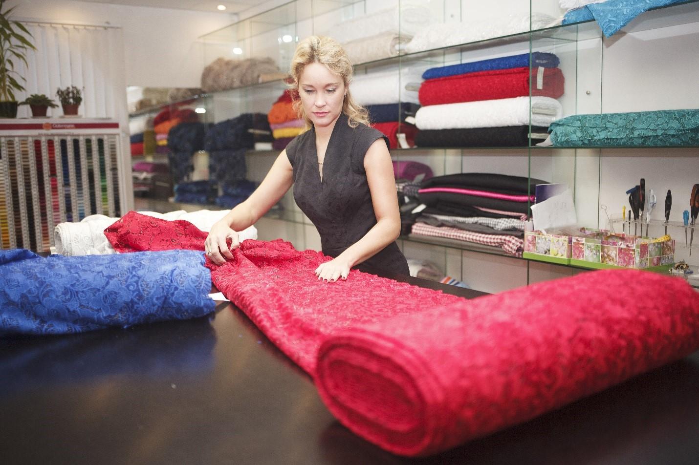 Выбор ткани для создания наряда