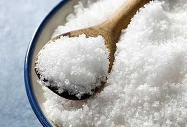 ложка с поваренной солью