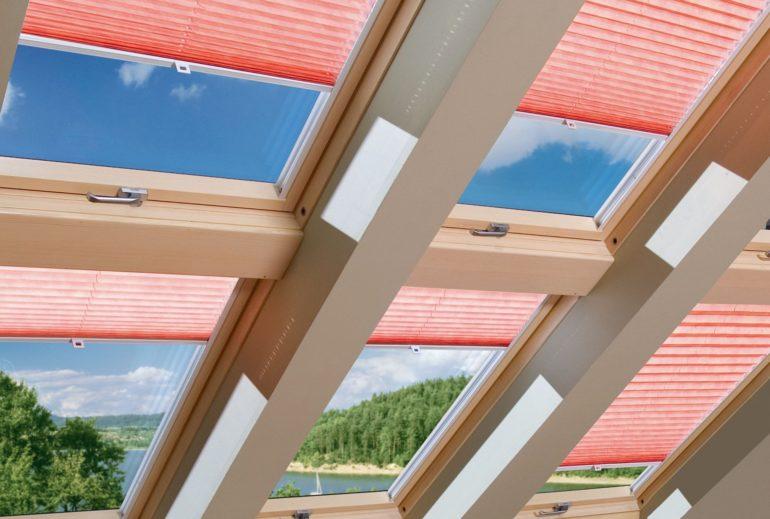 Такие шторы лучший вариант для потолочных и мансардных окон
