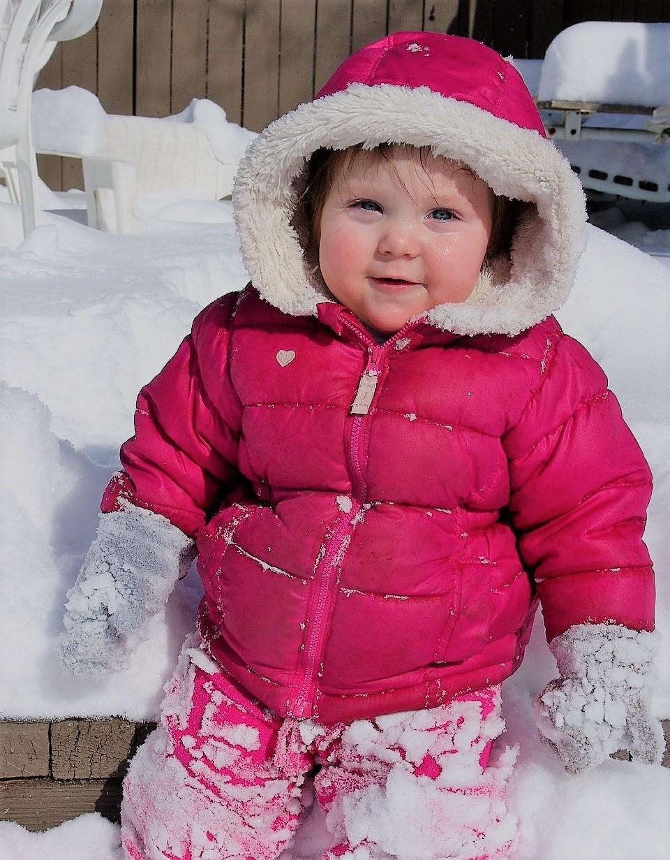 Ребенок в теплой курточке