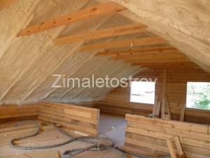 Напыление пенополиурета на скатные крыши