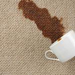 Чем можно вывести пятно от кофе с одежды и мебели