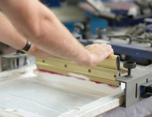 Шелкография на ткани достоинства и недостатки