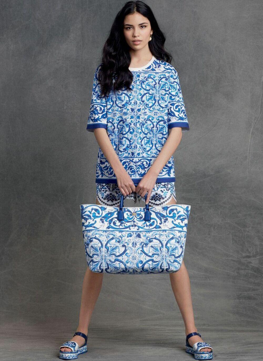 Платье, сумочка и обувь из маталассе