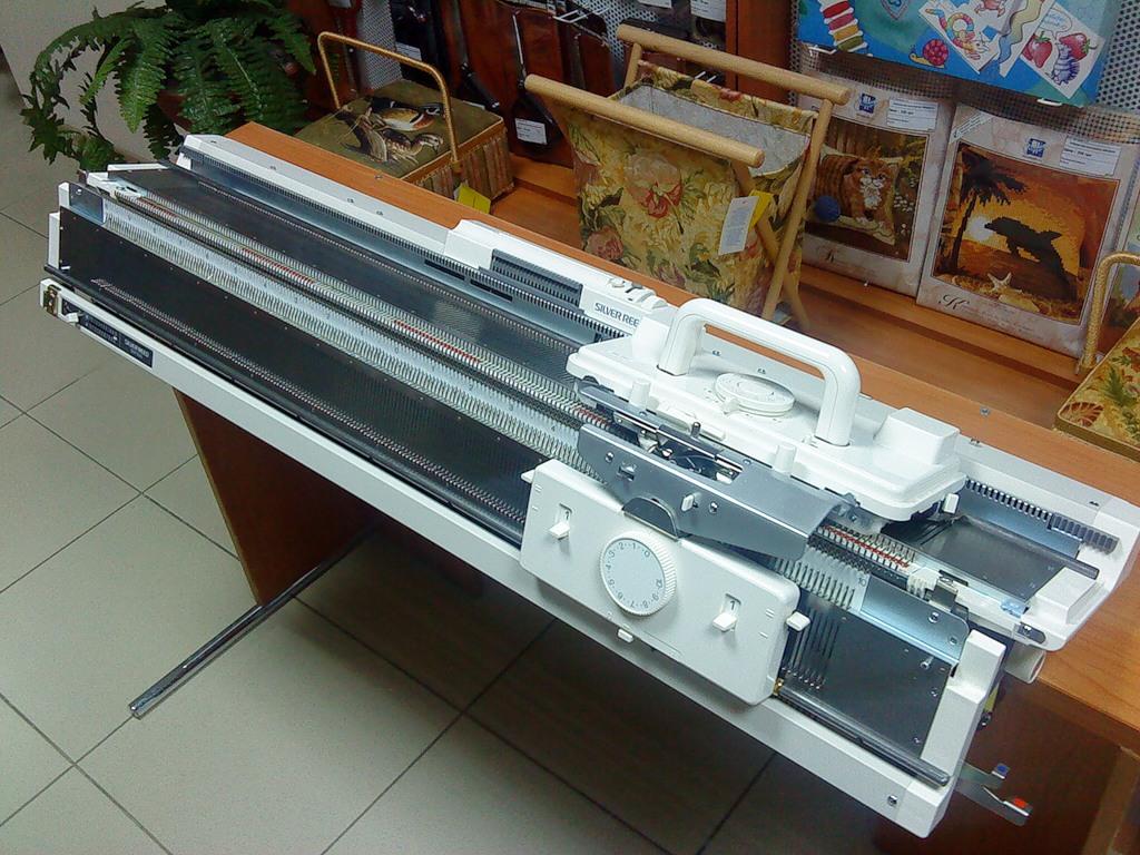 специальная машинка для изготовления гипюра