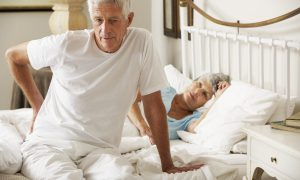 Какой матрас лучше для пожилых людей